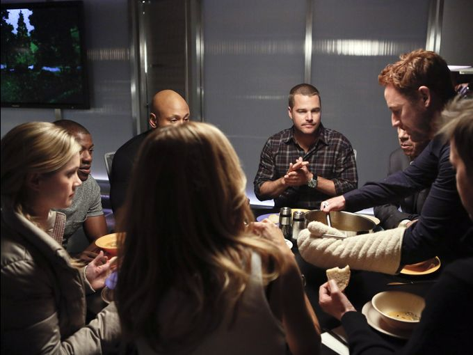 NCIS_Los_Angeles_Promo_Picture_418_RED