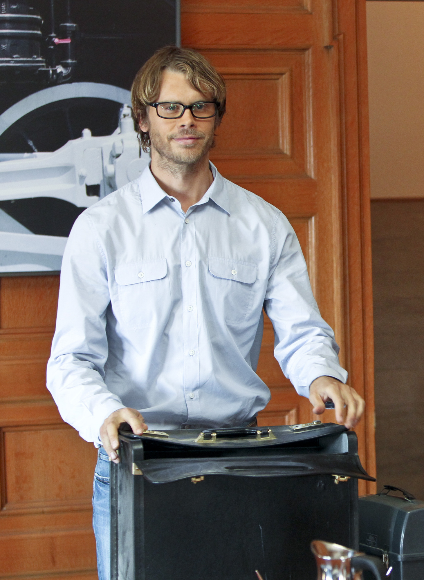 """NCIS Los Angeles Season Five Episode Four """"The Livelong Day"""" Promo Picture"""