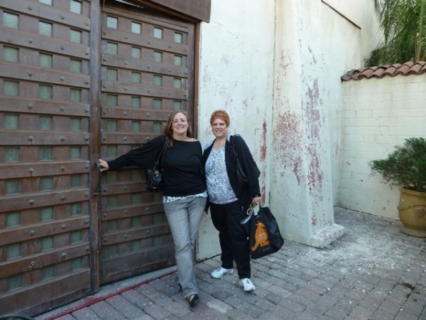 "sindee & Diane ""outside"" NCISLA Mission ©sincee"
