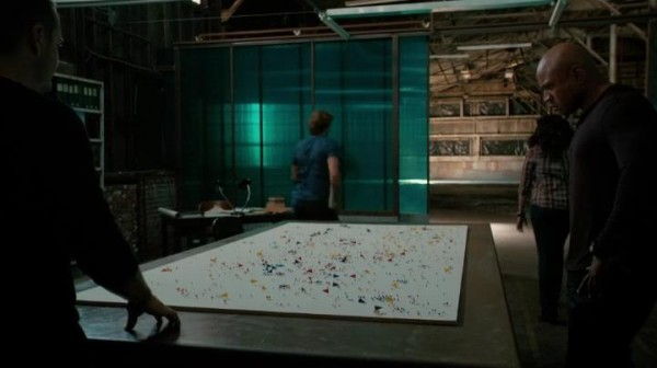 Kudos to the prop department for this awesome map !!