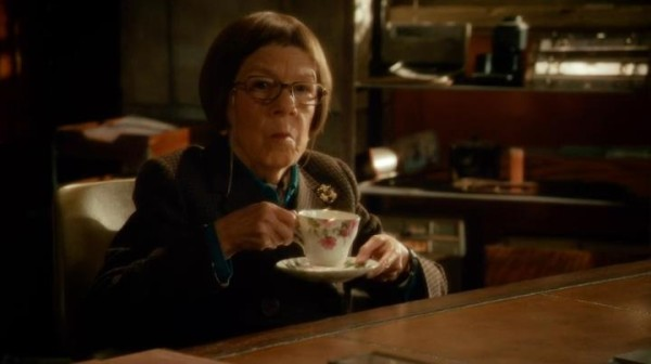 Another one of Hetty's tea cups... anyone recognize the pattern?