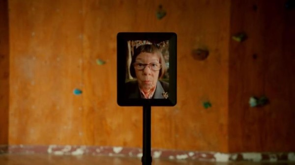 It's Robot Hetty !! [Anyone else finding that creepy ??]