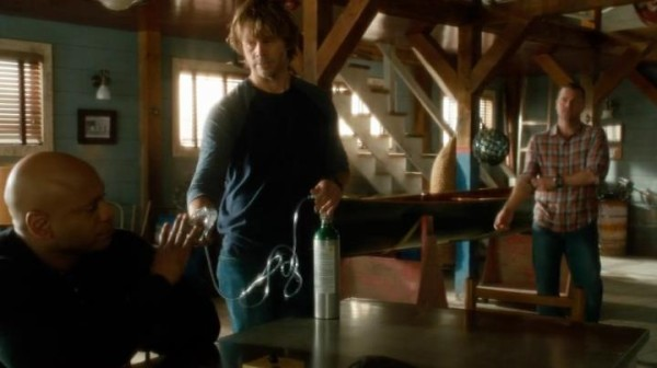 Even though Sam declines the gesture was really sweet, Deeks !! Oh and Callen in plaid... mmmh...