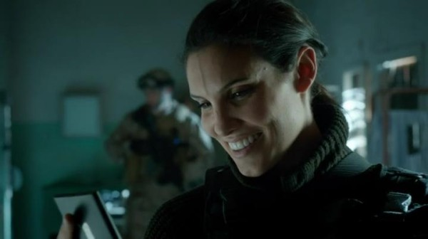 Seems Kensi doesn't mind Deeks' selfies... ;)