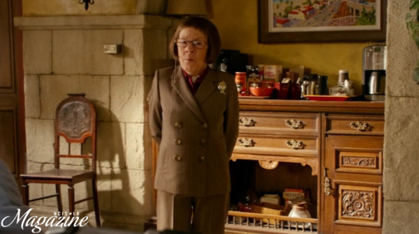 Note to EVERYONE: Hetty doesn't do SMALL !!