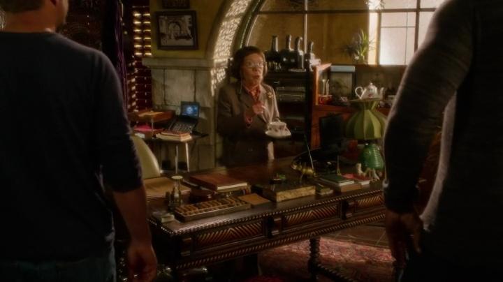 """Sam's daughter called Hetty for the dinner """"emergency"""" LOL"""