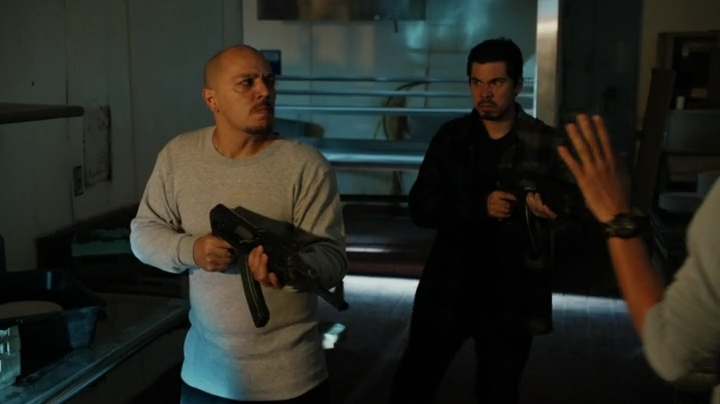 Deeks confusing the guards... yeah, that what he's good at... LOL