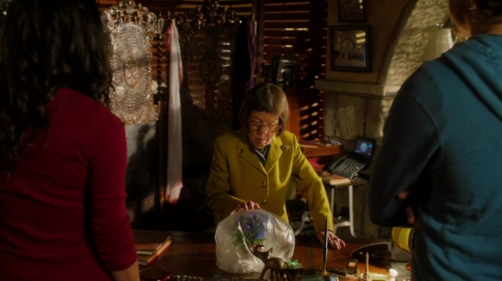 Anybody else thought Hetty had a creepy intimate way with the Wolfsbane ??