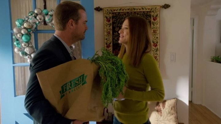 """Boyfriend Callen"" going all in to find the thumb drive."