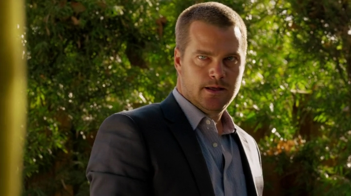 Let me recap... Callen had a gun, this lock-pick thingy and handcuffs on him which Joelle didn't notice when they slow-danced... Hands up if YOU would have noticed... *evilgrin*