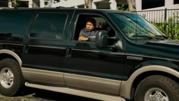 Anyone else noticed that Sam let Deeks drive ??