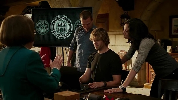 I see some new knowledge coming Deeks' way...
