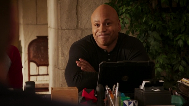 """""""But you should never lend anything that you actually expect to get back."""" *glares at Callen* Uiii..."""