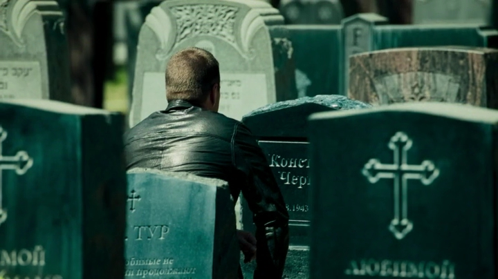 Callen at his father's grave... *tears up again*