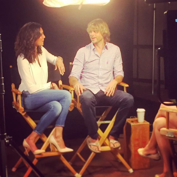 via @DanielaRuah - @ericcolsen in his elegant @johnnieobrand shirt aaand flipflops... ? apologies to all journalists for the absurdities that probably came out of our mouths!